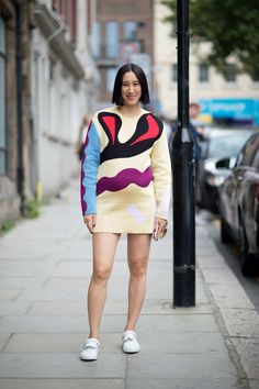 Eva Chen This time around, Eva Chen and her adorable baby bump went for something a little more abstract -- that somehow reminded us of Ren & Stimpy.  Photo: YoungJun Koo/I'M KOO