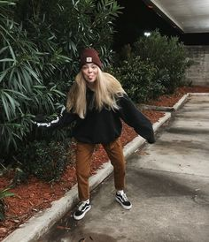 Cute Casual Outfits, New Outfits, Fashion Outfits, Tomboy Fashion, Girl Fashion, Beanie Outfit, Fall Winter Outfits, Aesthetic Clothes, Granola Girl