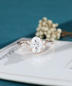 Oval Shaped Engagement Rings, Engagement Ring Rose Gold, Engagement Ring Shapes, Dream Engagement Rings, Vintage Oval Engagement Rings, Non Traditional Engagement Rings Vintage, Inexpensive Engagement Rings, Wedding Rings Vintage, Cluster Ring