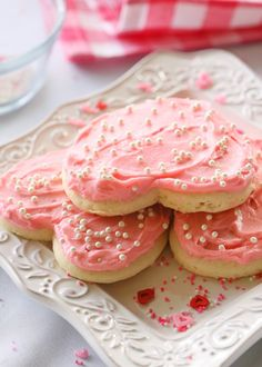 Easy Valentine's day cookies.