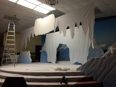 Stage 1 making a cave Operation Arctic, Cave Quest Vbs, Vbs 2016, 2017 Vbs, Vbs Crafts, Vacation Bible School, Light Of The World, Kids Church, Christmas Door