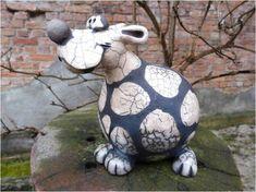 Risultati immagini per keramik tiere Pottery Animals, Ceramic Animals, Clay Animals, Ceramic Art, Dog Sculpture, Pottery Sculpture, Animal Sculptures, Paper Mache Clay, Clay Art