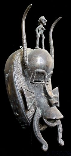 Ethno Art Image Series / Portrait of Senufo Bronze Kpelie Mask–Profile / Tribal…