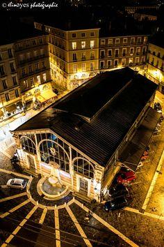 ..PLACE SAINTE-CLAIRE..  Place Sainte-Claire de Grenoble (France), 2016.  Suivez moi sur ma page facebook : https://www.facebook.com/elineyesphotographie/ Et sur Instagram : @elineyes.photographie   #elineyesphotographie #placesainteclaire #grenoble