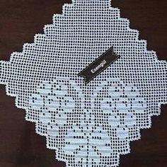 #dantel #elisi #ceyizlikdantel #danteltakim #dantela #odatakimi #ceyizdunyasi #ceyizdünyası #danteltakim #ceyizlik #yatakodasidantel #mutfakdanteli #elemegi #mutfaktakimi Crochet Yoke, Crochet Doily Patterns, Crochet Doilies, Crochet Flowers, Odd Molly, Fillet Crochet, Sewing, Free, Instagram
