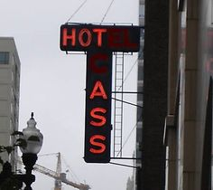 Love this hotel sign. Want for my house! http://cdn.lolhappens.com/wp-content/uploads/2011/11/Hotel-Sign-Fail.jpg