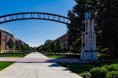 Which Colleges Should You Visit in Person? 9 Things to Consider