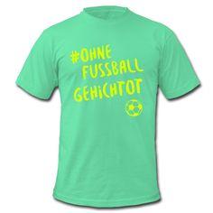 Was machen eigentlich die Menschen, die am Wochenende kein Fußball gucken? • Klassisch geschnittenes T-Shirt für Männer