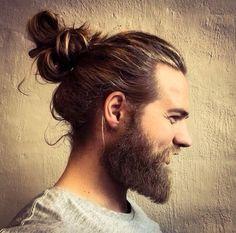 Coleta, peinado tendencia para el cabello largo masculino 2015-2016