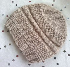 Free pattern download from Ravelry - a simple knit hat by Kellyg232