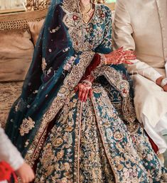 Indian Bridal Outfits, Indian Bridal Fashion, Pakistani Wedding Dresses, Pakistani Outfits, Simple Pakistani Dresses, Pakistani Dress Design, Indian Dresses, Desi Wedding Dresses, Party Wear Dresses