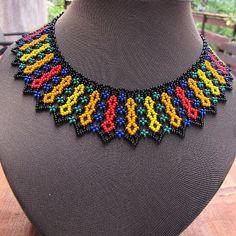 Beaded Jewelry Designs, Handmade Beaded Jewelry, Seed Bead Jewelry, Bead Jewellery, African Beads Necklace, Beaded Necklace, Necklaces, Loom Beading, Beading Patterns