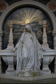 Evocaciones de lo divino, lo mágico y lo espiritual