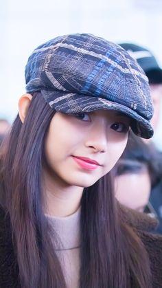 Kpop Girl Groups, Korean Girl Groups, Kpop Girls, Twice Dahyun, Tzuyu Twice, Nayeon, Tzuyu Wallpaper, Sana Momo, Chou Tzu Yu