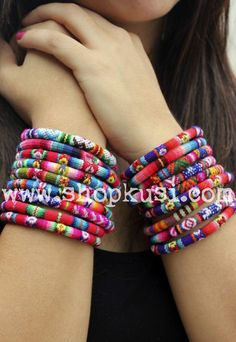 love these bracelets made from Peruvian fabric. Kusi Peru makes cuffs, too, but I love the look of several of these bangles worn together. Fabric Jewelry, Jewelry Art, Fashion Jewelry, Jewellery, Yoga Jewelry, Chevron Bracelet, Peruvian Textiles, Ethno Style, Thread Bangles