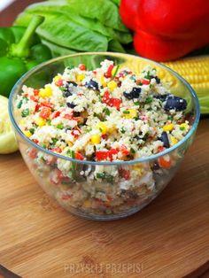 Sałatka z kaszą kuskus, serem feta i oliwkami Feta, Potato Salad, Serving Bowls, Nom Nom, Cereal, Grilling, Salads, Food And Drink, Cooking Recipes