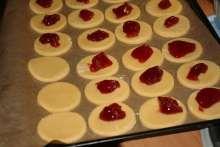 Kolieska s orechovým snehom Xmas, Christmas, Biscuits, Bakery, Food And Drink, Pudding, Cooking, Sweet, Philadelphia