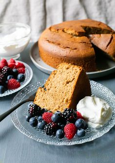 Cafe Latte Pound Cake with Evaporated Milk - Pilar's Chilean Food & Garden Chilean Recipes, Chilean Food, Latte Flavors, Evaporated Milk, Dessert Recipes, Desserts, Pound Cake, Baking Pans, Cooking Time