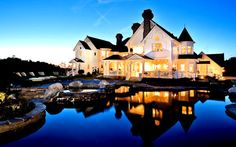actually my house is this big except its not on the water... im deathly afraid of water