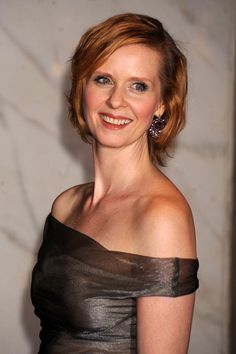 Cynthia Nixon - Actress from Sex In The City - plays Miranda Hobbes Cynthia Nixon, The Carrie Diaries, Media Bias, Olympic Athletes, Chick Flicks, Sarah Jessica Parker, Carrie Bradshaw, Comedians, Style Icons