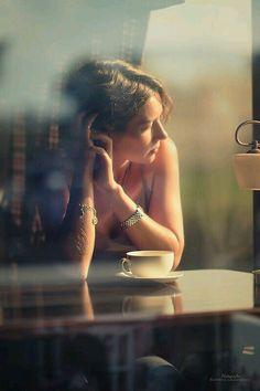 """مازلت انتظر ذلك الرجل الذي يسكن مخيلتي ... الذي لم التقيه حتي الان ... لااعرف متي وكيف واين !!! لكني سالقاه ... سالقاه وعد من شمس تحجبها غيوم الشتاء ... ستحدثني عنُه اللغات بقواميسها الرومانسيه ... سالقاُه بـ لهجات الكلام المقطوع من اوقات الغروب الدافئه ... حين يصطحبُه النور الي مدخل ايامي الحالكه السواد ... سانتظرُه هناك بتوقيع الصبر وقرار الاقدار ... في زمن يدبره لنا صدق الصدف ... بعيدا"""" عن كذب وتواطئ المواعيد ... لنَ يتأخر ف مخيلتي ممتلئه به شوقا"""" ... وانصهارا"""" وحنين ≈"""