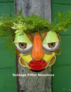 Mosaic Garden Art, Mosaic Flower Pots, Mosaic Planters, Mosaic Art Projects, Mosaic Crafts, Mosaic Portrait, Paper Mache Clay, Mosaic Pictures, Mosaic Pieces