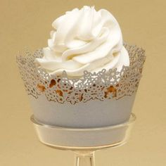 Holiday Fancy: Cupcake Wrappers from Paper Orchid