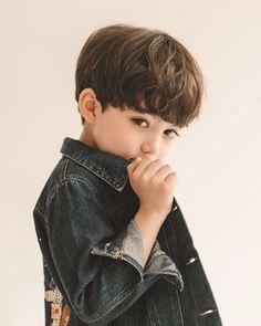 Cute Asian Babies, Korean Babies, Cute Babies, Cute Little Boys, Cute Baby Boy, Cute Boys, Cute Kids Pics, Cute Baby Pictures, Korean Boy Hairstyle