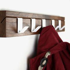 45 Garderobe - Walnuss von John Green Design | MONOQI