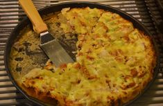 frittata di patate e pancetta Frittata, Omelette, Hawaiian Pizza, Mashed Potatoes, Cauliflower, Macaroni And Cheese, Food And Drink, Vegetables, Cooking