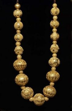 530-500 BCE. Etruscan gold necklace