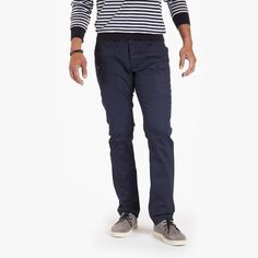 Osloh Crank Trouser is a modern trouser in a relaxed straight fit that offers more cargo space than you will ever need in a stealth, refined package...