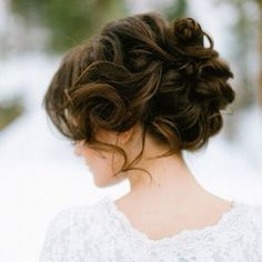 wow.. this is beautiful! I could so see myself wearing this hairstyle at my 'future' wedding one day!