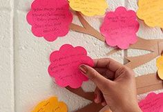 Woah!! Tons and tons of post-it note ideas for the classroom!