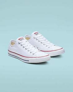 converse shoes Chuck Taylor All Star Low Top Optical White White Converse Shoes, White Chucks, Women's Converse, Converse All Star White, Galaxy Converse, Converse Style, White Converse Fashion, Converse Shoes Outfit, Womens White Converse