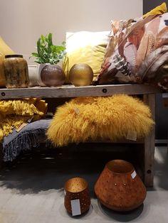 Det var en del Innslag av gult og sennepsgul på messen, sennepsgul er en av mine favorittfager så dette kan jeg absolutt leve med.