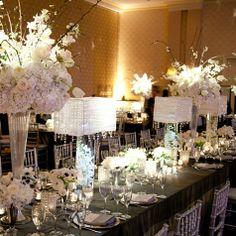 Elegant white wedding table by Victoria Clausen #romanceofflowers