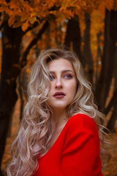 10 Wondrous - Inexpensive Fashion And HairStyle Ideas : Awe-Inspiring woman wearing red top Female Pictures, Female Images, Girl Pictures, Girl Photos, Mullet Hairstyle, Hairstyle Ideas, Beauty Tips For Glowing Skin, Natural Beauty, Get A Girlfriend