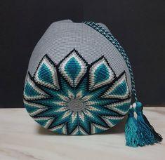 Cute Crochet, Knit Crochet, Tapestry Crochet Patterns, Tapestry Bag, Crochet Handbags, Crochet Projects, Purses And Bags, Stitch, Knitting