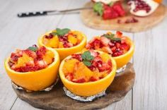 Serve a delightfully refreshing and healthy mid-morning snack by combining fresh fruits, juices and a sprinkling of spices. Healthy Desserts, Healthy Cooking, Cooking Recipes, Healthy Recipes, Healthy Food, Yummy Pasta Recipes, Vegetarian Recipes, Fruit Compote, Fruit Kabobs