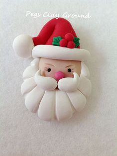 Polymer Clay Santa Pendant Hair Bow Topper by PegsClayGround - Weihnachten - Cake Recipes Clay Christmas Decorations, Polymer Clay Christmas, Christmas Crafts, Christmas Ornaments, Polymer Clay Ornaments, Polymer Clay Projects, Polymer Clay Creations, Jumping Clay, Clay Figurine