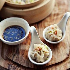 Steamed Dumplings from Top 25 Low Calorie Recipes To Help You Lose Weight Healthy Low Calorie Dinner, Low Calorie Recipes, Dim Sum, Wan Tan, Sashimi, Empanadas, Ravioli, Asian Recipes, Indonesian Recipes