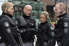 "Flashpoint   Flashpoint - Season 2 - ""Remote Control"" - David Paetkau, Hugh Dillon, Jessica Steen, Michael Cram"