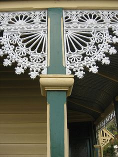 Cast Iron Lacework Detail on the Verandah of Hymettus Cottage - Ballarat Chatterton Chantilly design Victorian Irons, Victorian Porch, Victorian Bedroom, Victorian Homes, Victorian Architecture, Architecture Details, Colonial, Level Design, Outside Paint