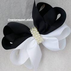 Core coringas, preto e branco clássico moderno e lindooo!! #lacarotes #laçoduplo #pretoebranco # - vaniarequieri_atelie