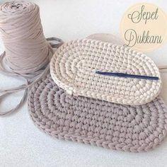 Best 11 Vizon ve krem rengi oval sepet tabanlarım hazır İkili set olacak bu s. Crochet Sole, Crochet Star Stitch, Bead Crochet, Crochet Baby, Bobble Stitch, Crochet Rug Patterns, Crochet Basket Pattern, Diy Crafts Crochet, Crochet Gifts
