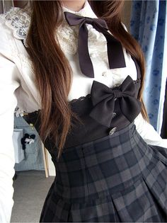 Oh gosh, this is precious! I love it, the high waist fits perfectly, and the additions like a bow and the lace collar bring it together well, I think c: .