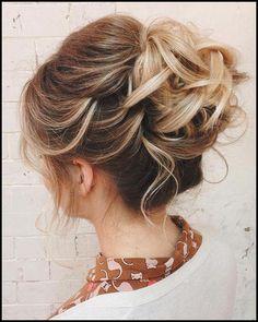 Hochsteckfrisuren Mittellange Haare   Frisuren Frauen Bilder #Frisuren #HairStyles Hochsteckfrisuren mittellange Haare