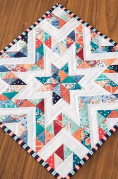 New ideas for patchwork blocks half square triangles ideas Big Block Quilts, Star Quilt Blocks, Star Quilts, Scrappy Quilts, Baby Quilts, Memory Quilts, Cute Quilts, Mini Quilts, Colchas Quilting