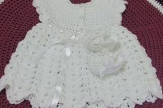 Baby shoes made of crochet : ) Baby Knitting, Crochet Baby, Baby Dress, Crochet Patterns, Ruffle Blouse, Youtube, How To Make, Mary, Dresses